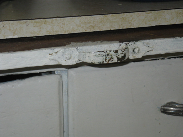 Cutting Board handle - old