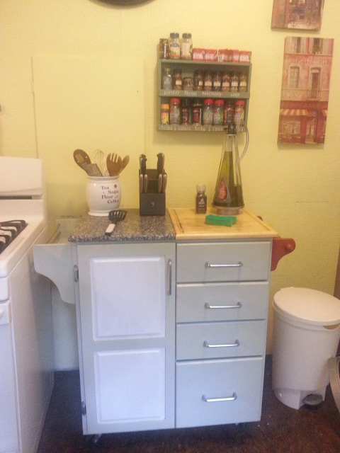 kitchen before2