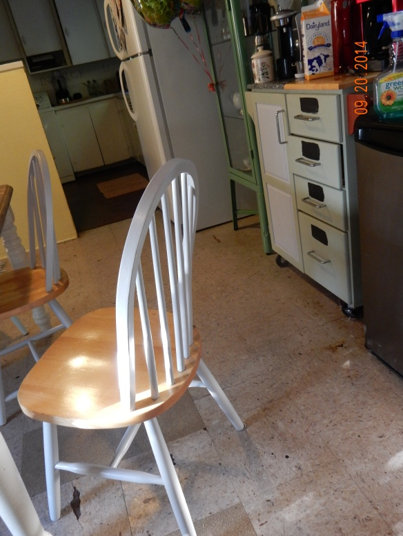 New white chair2