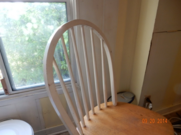 Old white chair2