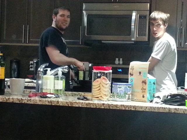 Mat & Alex2 making breakfast